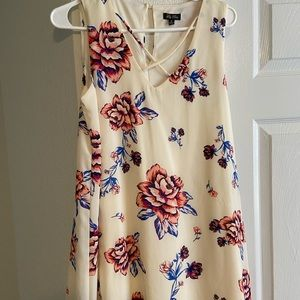 White floral loose dress